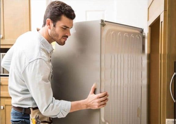 Tủ lạnh Toshiba phát ra tiếng ồn