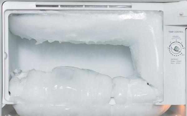 tủ lạnh Toshiba bị đóng đá