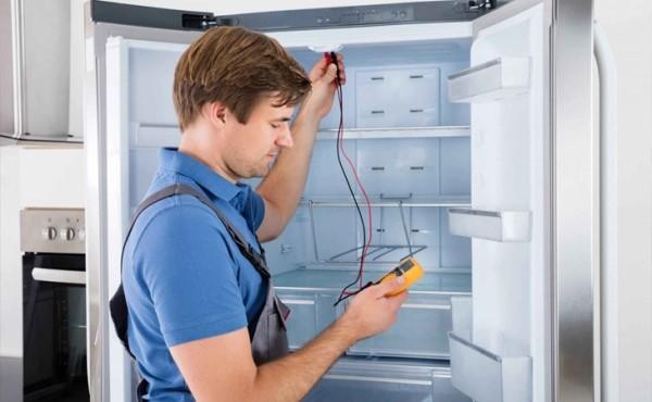 tủ lạnh electrolux bị tắc ẩm