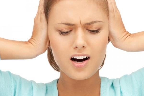 tủ lanh electrolux phát ra tiếng ồn