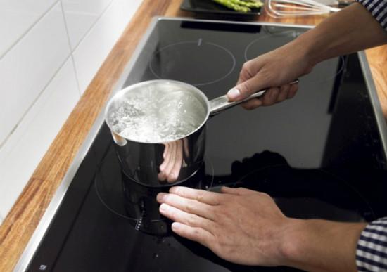 mặt kính bếp từ teka quá tải nhiệt
